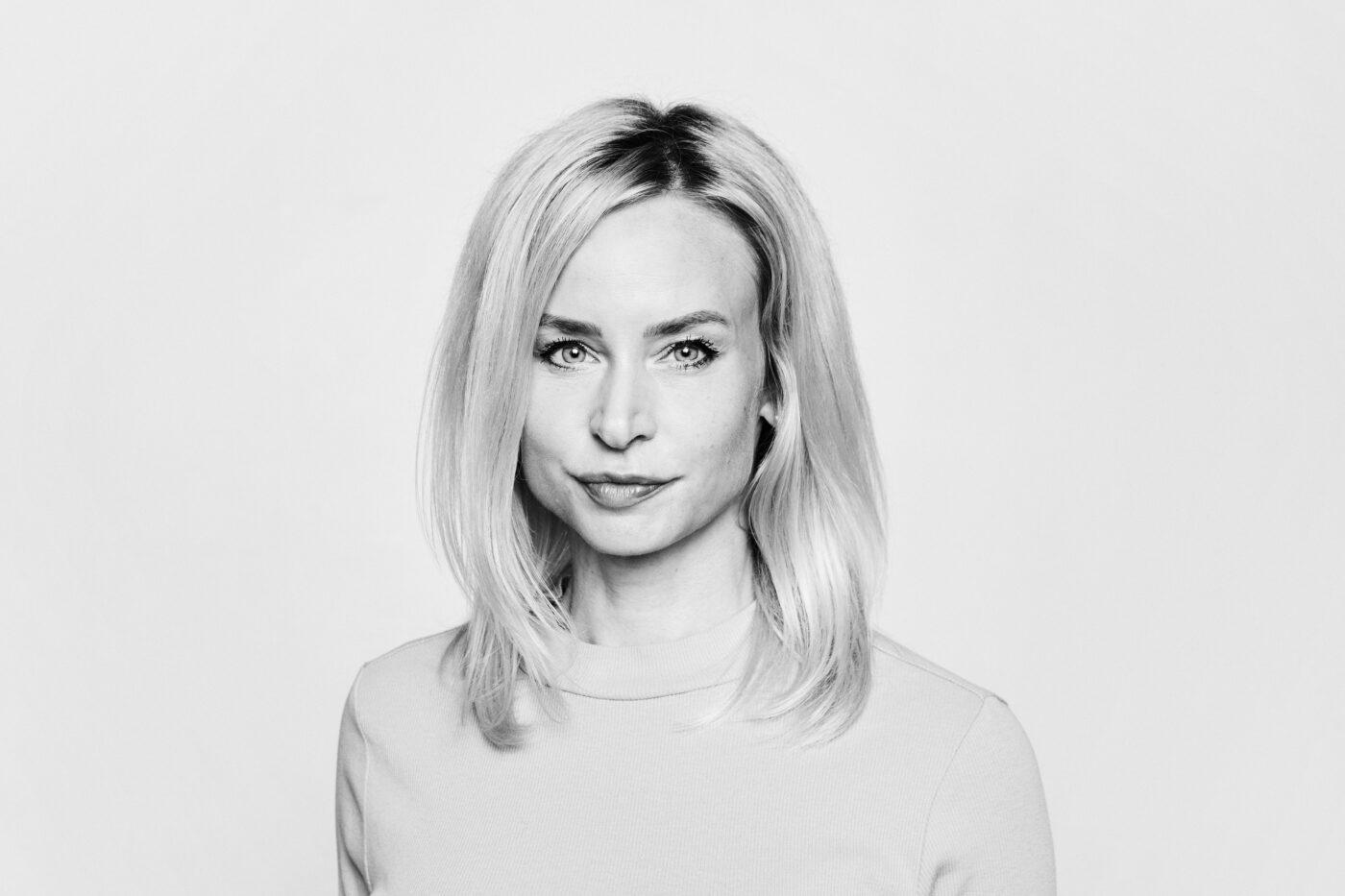 Cecilia Bödker Pedersen, Storasyster